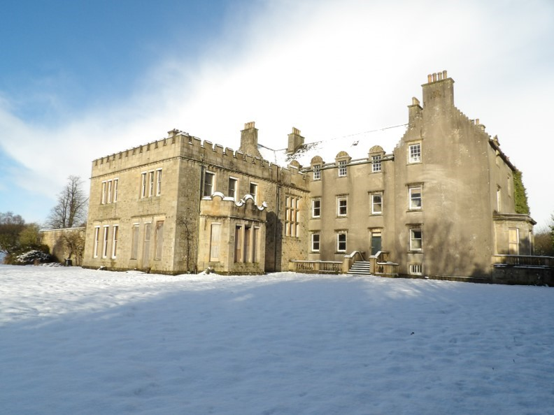 Snowy scene of Bannockburn House